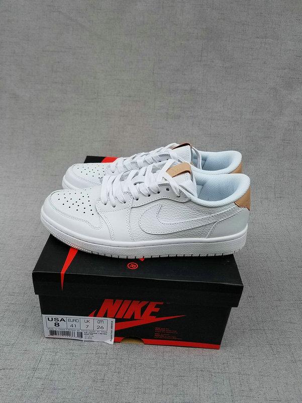 football-shoes-1809001