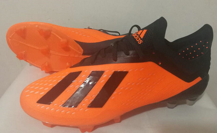 football-shoes-1809011